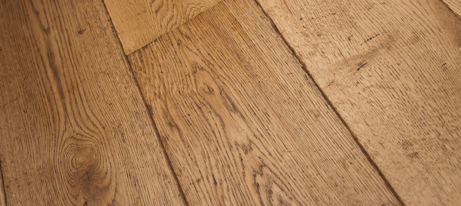 How do you oil/wax a wooden floor?